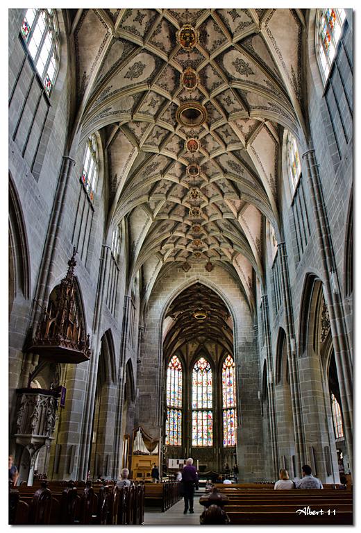 Basílica de tres naus sense creuer