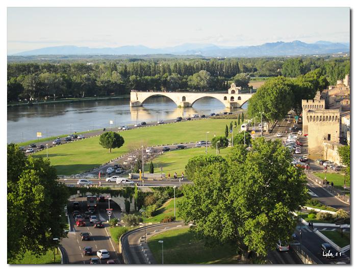 Sur le Pont d'Avignon on y danse...