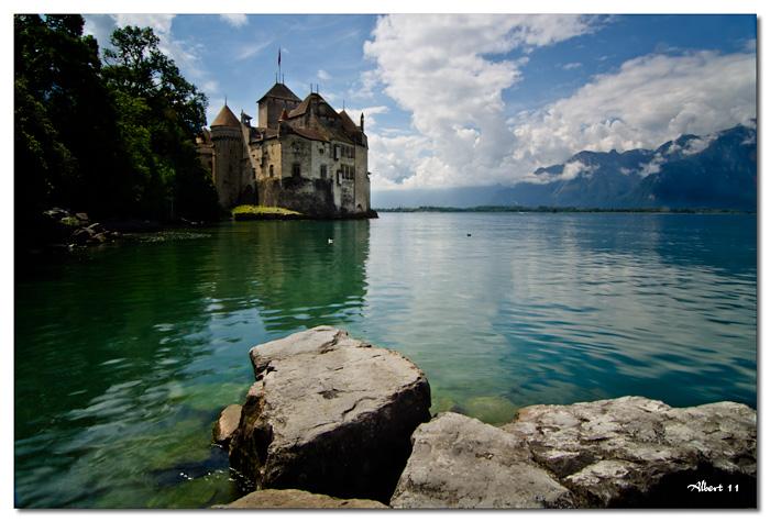 El castell des de l'altre costat