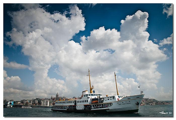 Vaixell ennuvolat