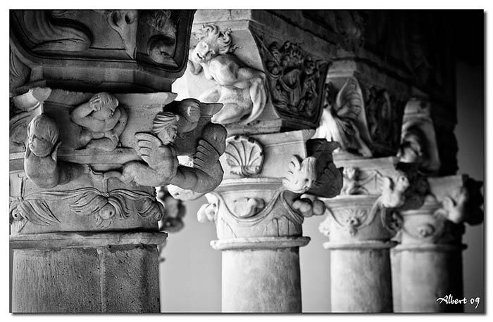 Capitell del Claustre del Convent de Sant Esteve