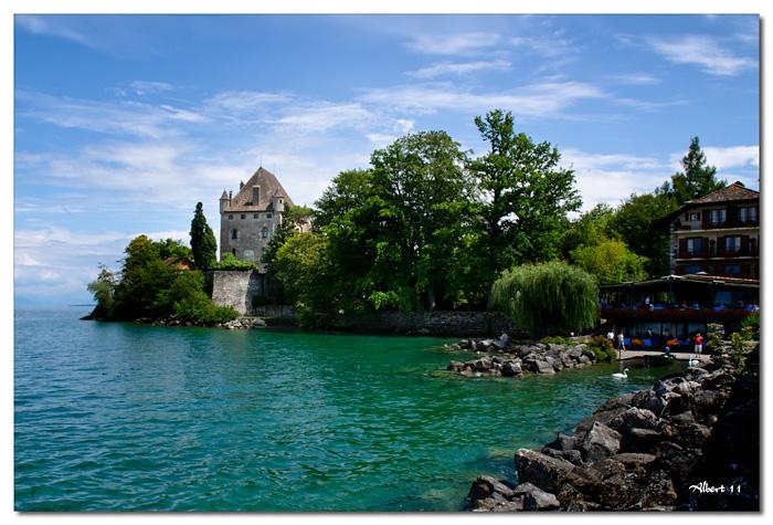 El castell i el llac